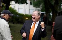 DEU, Deutschland, Germany, Berlin, 03.09.2013:<br />Heinz Buschkowsky (SPD), Bezirksbürgermeister in Berlin-Neukölln, lacht über seine eigenen Witze. Alte Dorfschule in Rudow (Neukölln) vor der Ankunft des SPD-Kanzlerkandidaten Peer Steinbrück.