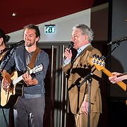 NLD/Amsterdam/20140616 - Uitreiking Johan Kaart prijs 2014, optreden Huub Stapel met Rev Trigger