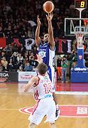 DESCRIZIONE : Varese Lega A 2013-14 Cimberio Varese Acqua Vitasnella Cantu<br /> GIOCATORE : Joe Ragland<br /> CATEGORIA : tiro three points<br /> SQUADRA : Acqua Vitasnella Cantu<br /> EVENTO : Campionato Lega A 2013-2014<br /> GARA : Cimberio Varese Acqua Vitasnella Cantu<br /> DATA : 15/12/2013<br /> SPORT : Pallacanestro <br /> AUTORE : Agenzia Ciamillo-Castoria/R.Morgano<br /> Galleria : Lega Basket A 2013-2014  <br /> Fotonotizia : Varese Lega A 2013-14 Cimberio Varese Acqua Vitasnella Cantu<br /> Predefinita :