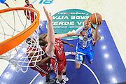 DESCRIZIONE : Campionato 2014/15 Dinamo Banco di Sardegna Sassari - Olimpia EA7 Emporio Armani Milano Playoff Semifinale Gara6<br /> GIOCATORE : David Logan<br /> CATEGORIA : Tiro Penetrazione Sottomano Special<br /> SQUADRA : Dinamo Banco di Sardegna Sassari<br /> EVENTO : LegaBasket Serie A Beko 2014/2015 Playoff Semifinale Gara6<br /> GARA : Dinamo Banco di Sardegna Sassari - Olimpia EA7 Emporio Armani Milano Gara6<br /> DATA : 08/06/2015<br /> SPORT : Pallacanestro <br /> AUTORE : Agenzia Ciamillo-Castoria/L.Canu