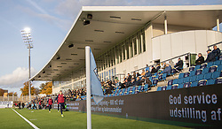 Reserverne varmer op under kampen i 1. Division mellem FC Helsingør og Kolding IF den 24. oktober 2020 på Helsingør Stadion (Foto: Claus Birch).