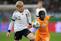 Fotball<br /> Tyskland v Elfenbenskysten<br /> Foto: Witters/Digitalsport<br /> NORWAY ONLY<br /> <br /> 18.11.2009<br /> <br /> v.l. Andreas Beck, Gervinho Elfenbeinkueste<br /> Testspiel Deutschland - Elfenbeinkueste