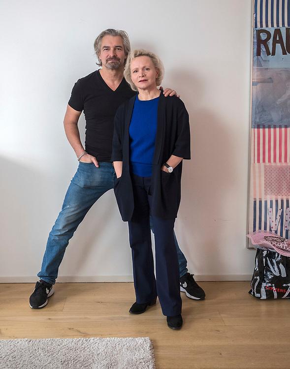 Netherlands. Amsterdam, 14-12-2017. Photo: Patrick Post. Portret van Renée Soutendijk en Victor Reinier. Zij maken samen de voorstelling 'Roem'.