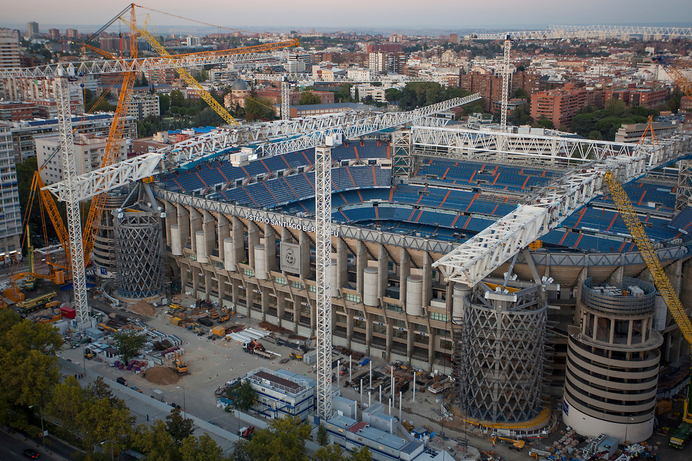 MADRID, SPAIN - OCTOBER 9: Aerial view of the renovation works on Santiago Bernabeu stadium on October 9, 2020 in Madrid, Spain. Azca, considered the business heart of the city, is a business and leisure area in Madrid spanning from Nuevos Ministerios to the Santiago Bernabeu stadium, flanked by Paseo de la Castellana and Calle Orense, two of the most iconic streets in the capital. Madrid's Mayor José Luis Martínez Almeida has announced a partnership with private investors including stock-trading companies Merlin and GMP, in order to revamp the area by promoting the development of a modern space with the best business and leisure facilities. (Photo by Miguel Pereira/Getty Images)
