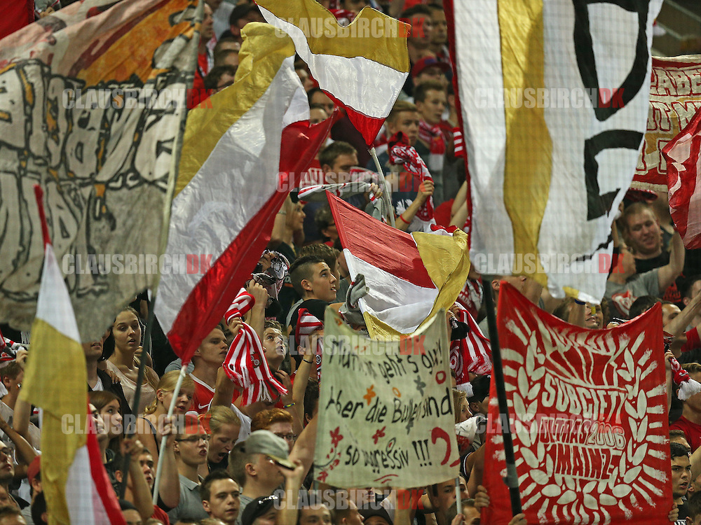 FOOTBALL: Mainz fans during the Bundesliga match between 1. FSV Mainz 05 and Borussia Dortmund at Coface Arena on September 20, 2014 in Mainz, Germany. Photo: Claus Birch.