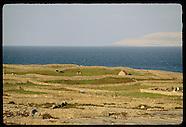 06: ARAN ISLANDS INISHMAAN WALLS, POTATOES