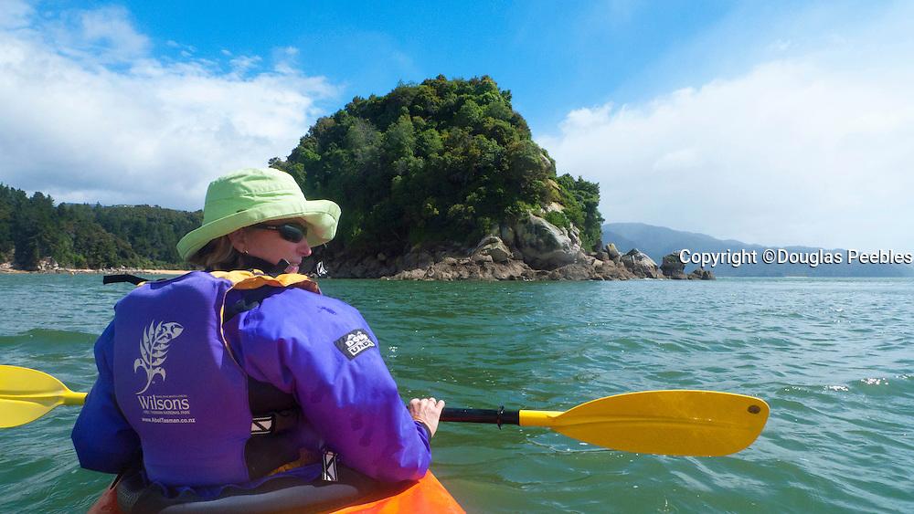 Kayaking, Kaiteriteri Coast, Abel Tasman National Park, South Island, New Zealand