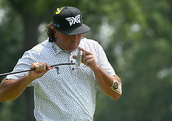 August 12, 2018 - St. Louis, Missouri, U.S. - ST. LOUIS, MO - AUGUST 12: Pat Perez checks his putter during the final round of the PGA Championship on August 12, 2018, at Bellerive Country Club, St. Louis, MO.  (Photo by Keith Gillett/Icon Sportswire) (Credit Image: © Keith Gillett/Icon SMI via ZUMA Press)