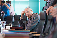 21 JUN 2017, BERLIN/GERMANY:<br /> Wolfgang Schaeuble, CDU, Bundesfinanzminister, vor Beginn der Kabinettsitzung, Bundeskanzleramt<br /> IMAGE: 20170621-01-004<br /> KEYWORDS: Kabinett, Sitzung, Wolfgang Schäuble