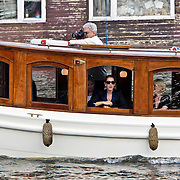 NLD/Amsterdam/20080601 - Celine Dion gaat varen in de Amsterdamse grachten met haar moeder Therese en zus