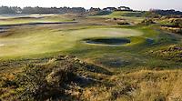 ZANDVOORT - De golfbaan van de Kennemer Golfclub, waar ook in 2008 het Dutch Open voor mannen zal worden gehouden. Op de foto: holes C5 en C6. Copyright Koen Suyk