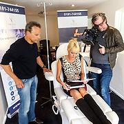 NLD/Wassenaar/20150422 - Sophia de Boer ondergaat Reviv behandeling bij Robert Schoemacher,