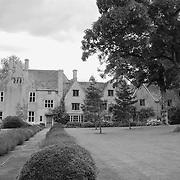 Avebury Manor (Chateau) - Avebury, UK - Black & White