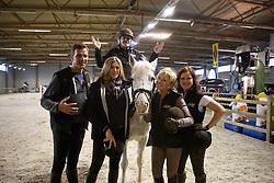 """Lancering """"Ga voor Galop""""<br /> Met Carry Goossens (te paard), Kelly Pfaff, Martine Jockheere, Caroline Maes en Stefaan Lammens<br /> Flanders Horse Expo - Gent 2012<br /> © Dirk Caremans"""