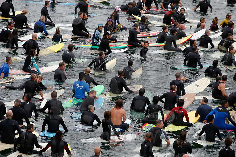 28 August 2021:  Paddle out memorial for Rockin Fig Northside Huntington Beach Pier, CA. ©ShellyCastellano/SCPIX
