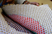 Rio Acima_MG, Brasil...Tapecaria do Projeto Fred, na foto detalhes da mao fazendo tapetes...The tapestry of Fred project, in this photo detail of hands doing carpets...Foto: LEO DRUMOND / NITRO..