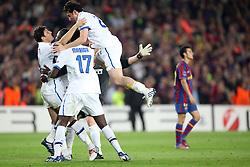 28.04.2010, Estadio Camp Nou, Barcelona, ESP, UEFA CL, FC Barcelona vs Inter Mailand im Bild die Spieler von Inter feiern den Aufstieg, EXPA Pictures © 2010, PhotoCredit: EXPA/ InsideFoto/ Semedia / SPORTIDA PHOTO AGENCY