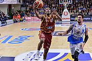 DESCRIZIONE : Campionato 2015/16 Serie A Beko Dinamo Banco di Sardegna Sassari - Umana Reyer Venezia<br /> GIOCATORE : Mike Green<br /> CATEGORIA : Tiro Penetrazione Sottomano<br /> SQUADRA : Umana Reyer Venezia<br /> EVENTO : LegaBasket Serie A Beko 2015/2016<br /> GARA : Dinamo Banco di Sardegna Sassari - Umana Reyer Venezia<br /> DATA : 01/11/2015<br /> SPORT : Pallacanestro <br /> AUTORE : Agenzia Ciamillo-Castoria/L.Canu