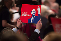 "19 MAR 2017, BERLIN/GERMANY:<br /> Schild ""Jetzt Kanzler"" mit Martin Schulz, SPD desig. SPD Parteivorsitzender und SPD Spitzenkandidat der Bundestagswahl, a.o. Bundesparteitag, Arena Berlin<br /> IMAGE: 20170319-01-041<br /> KEYWORDS: party congress, social democratic party, candidate, sign"