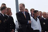 09 AUG 2001, BERLIN/GERMANY:<br /> Rudolf Scharping, SPD, Bundeskanzler, waehrend einem Besuch von Marineeinheiten im Seegebiet vor Rostock, hier im Gespraech mit Vertrauensmännern unterschiedlicher Dienstgradgruppen auf dem Tender DONAU<br /> IMAGE: 20010809-01-009<br /> KEYWORDS: Bundeswehr, Bundesmarine, Marine, Soldaten, Soldat, soldier, Gespräch