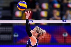 12.06.2018, Porsche Arena, Stuttgart<br /> Volleyball, Volleyball Nations League, Türkei / Tuerkei vs. Niederlande<br /> <br /> Zuspiel Laura Dijkema (#14 NED)<br /> <br /> Foto: Conny Kurth / www.kurth-media.de