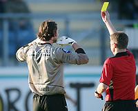 Fotball , 23. april 2007 , Tippeligaen , Strømsgodset - Lillestrøm 1-1<br /> Heinz Müller , LSK får gult kort (for å ha på seg kjede???)