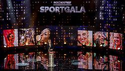 21-12-2016 NED: Sportgala NOC * NSF 2016, Amsterdam<br /> In de Amsterdamse RAI vindt het traditionele NOC NSF Sportgala weer plaats / Matthijs van Nieuwkerk is een Nederlands journalist en televisiepresentator.