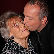 NLD/Amsterdam/20081107 - CD presentatie Gordon, Gordon en zijn moeder Mary