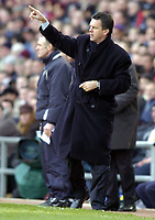 Photo: Richard Lane.<br /> Aston Villa v Birmingham City. Barclaycard Premiership. 22/02/2004.<br /> Villa manager, David O'Leary gives out the orders in an attempt to halt the Birmingham second half comeback.