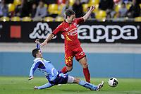 FOOTBALL - FRENCH CHAMPIONSHIP 2010/2011 - L2 - LEMANS FC v LE HAVRE AC - 18/04/2011 - PHOTO JEAN MARIE HERVIO / DPPI - THORSTEIN HELSTAD (LMFC) / BENJAMIN GENTON (HAC)