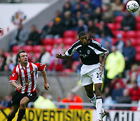Fotball, 14.september 2002,  FA Premiership. Sunderland - Fulham 0-3. Stadium of Light.  Abdes Ouaddou, Fulham, og Marcus Stewart, Sunderland.