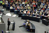 """07 SEP 2005, BERLIN/GERMANY:<br /> Gerhard Schroeder, SPD, Bundeskanzler, waehrend seiner letzten Regierungserklaerung zum Thema """"Deutschland ist auf dem richtigen Weg - Vertrauen in die Staerken unseres Landes"""""""" vor der Bundestagswahl, im Hintergrund die SPD Bundestagsfraktion, Plenum, Deutscher Bundestag<br /> Gerhard Schroeder, Federal Chancellor, during his last speech before the general elections, behind him the Social Democrats party parliamentary group, plenary, Deutscher Bundestag<br /> IMAGE: 20050907-01-020<br /> KEYWORDS: Gerhard Schröder, Regierungserklärung"""