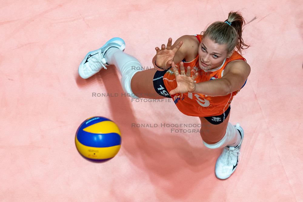 28-05-2019 NED: Volleyball Nations League Netherlands - Brazil, Apeldoorn<br /> <br /> Nika Daalderop #19 of Netherlands