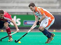 ROTTERDAM - HOCKEY -  Sander Baart tijdens de oefenwedstrijd tussen de mannen van Nederland en Engeland. FOTO KOEN SUYK