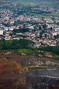 Itabira_MG, Brasil...Vista da Mina da Conceicao com a cidade de Itabira ao fundo...The view from the Conceicao coal mine with Itabira city in the background. ..Foto: LEO DRUMOND / NITRO