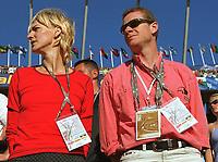 Friidrett. VM 2001 Edmonton. v.l. Heike DRECHSLER und Freund Alain BLONDEL als Zuschauer<br /> Leichtathletik  WM 2001    Weitsprung
