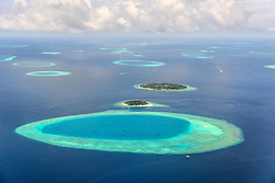 Small maledives islands in the south Male Atoll, Luftaufnahme, Kleine Malediven Inseln im Sued Male Atoll, aerial view