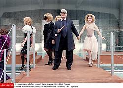 © Lionel Hahn/ABACA. 19560-1. Paris, France, 11/07/2000. Chanel catwalk. Autum Winter 2000/2001 Haute Couture collection. Karl Lagerfeld