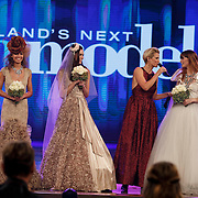 NLD/Hilversum/20141027 - Finale Holland Next Top Model 2014, Debbie Dhillon, Sanne de Roo en Nicky Opheij