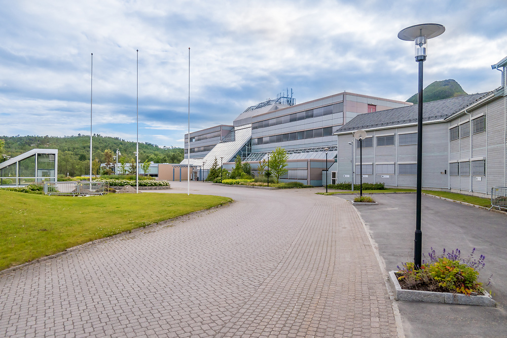 Det gamle Statoil-bygget på Medkila i Harstad. Bygget ble i 2016 overtatt av Medkila Eiendom AS.