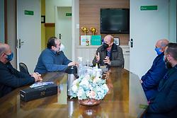 Na tarde de hoje estive no Colégio Sinodal, em São Leopoldo, visitando o diretor geral da instituição, professor Ivan Renner. Na oportunidade pude parabenizar e conhecer mais sobre a instituição, que completou 85 anos de uma brilhante história. FOTO: Jefferson Bernardes/ Agência Preview