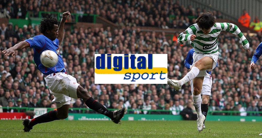 Photo: Paul Thomas.<br /> Glasgow Celtic v Glasgow Rangers. Bank of Scotland Scottish Premier League. 11/03/2007.<br /> <br /> Shunsuke Nakamura (R) of Celtic shoots.