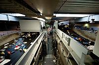 03 JAN 2012, BERLIN/GERMANY:<br /> Sortieranlage fuer Anfall / Wertstoffe aus der Gelben Tonne, Alba Recycling GmbH, Berlin-Mahlsdorf<br /> IMAGE: 20120103-01-017<br /> KEYWORDS: Wertstoffe, Recycling, Alba Group, Urban Mining, Gelber Sack, Gruener Punkt, Grüner Punkt, Duales System, Muell. Müll. Verwertung