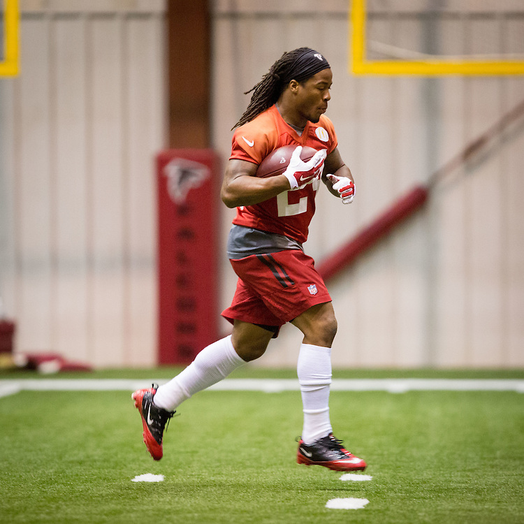 Atlanta Falcons running back Devonta Freeman during practice at the Falcons training facility in Flowery Branch on Thursday, Dec. 24, 2015. Photo by Kevin D. Liles