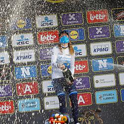 04-04-2021: Wielrennen: Ronde van Vlaanderen (Vrouwen): Oudenaarde <br />Annemiek van Vleuten heeft de ronde van Vlaanderen voor vrouwen voor de tweede keer op haar naam geaschreven voor Lisa Brennauer en Grece Brown