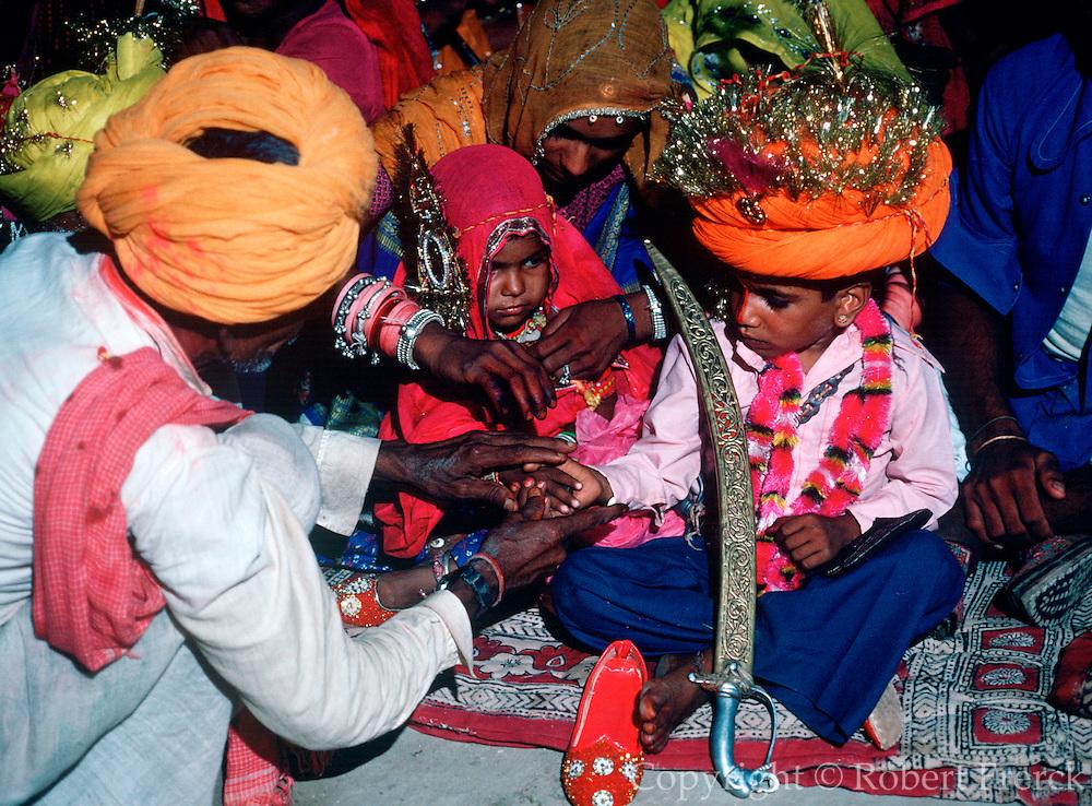 INDIA, HINDUISM, CEREMONY Rajasthan; multiple 'Child Wedding'