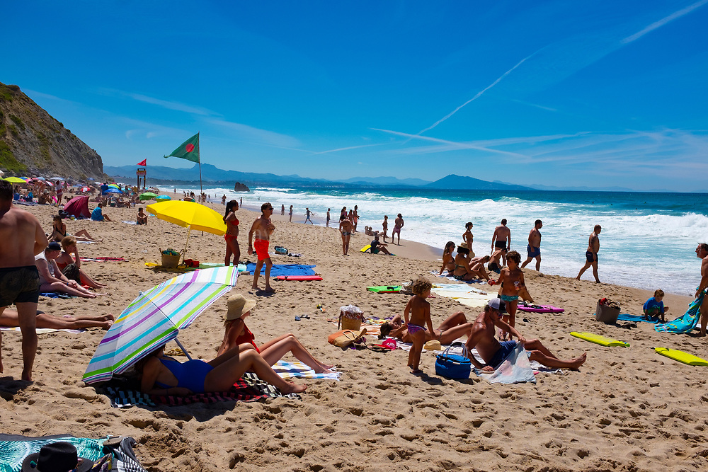 Holidaymakrrs on the Plage d'Ilbarritz, Biarritz, France, during the 2020 Covid-18 Pandemic