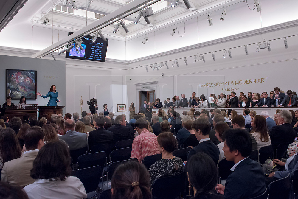© Licensed to London News Pictures. 21/06/2017. London, UK. Bidding takes place at Sotheby's Impressionist and Modern Art evening sale in New Bond Street. Photo credit : Stephen Chung/LNP