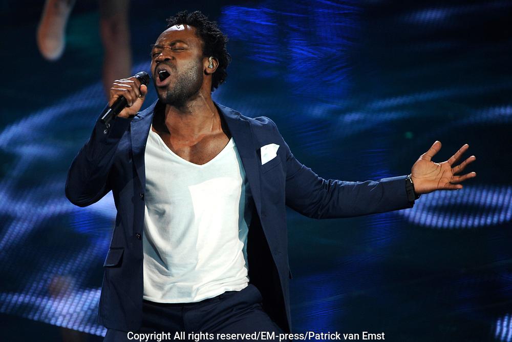 Eerste Live Show van de Voice of Holland in Studio 22 in Hilversum.<br /> <br /> Op de foto:  Emmanuel Anning