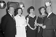 17/04/1961<br /> 04/17/1961<br /> 17 April 1961<br /> A.E.I. Gala Ltd. press reception at the Gresham Hotel Dublin. Miss Noell Middleton, (third from left) Sligo born film star presents prizes at the reception.